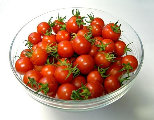 10 Cherry Tomatoes